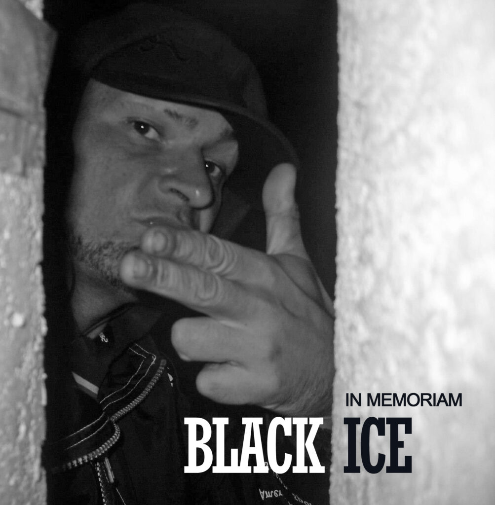 BLACK ICE EMLÉKKÖNYV 2020 (PDF VERZIÓ)
